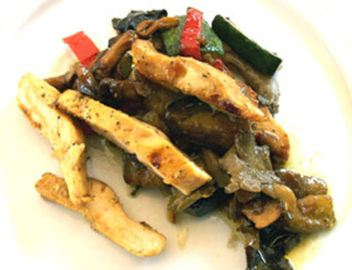 Sautéed vegetables, mushrooms and chicken (type Wok)