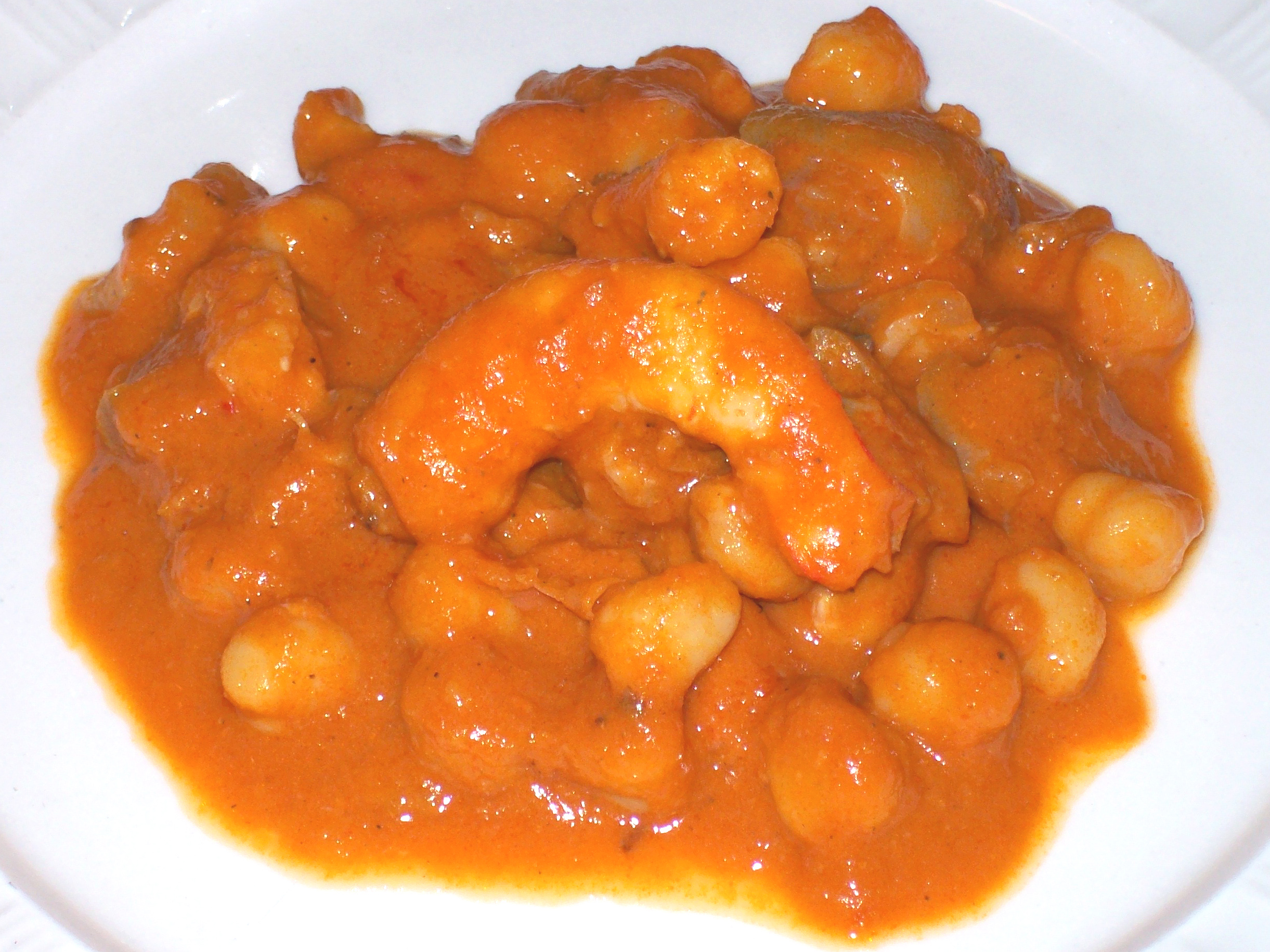 Trotters and prawns with chickpeas